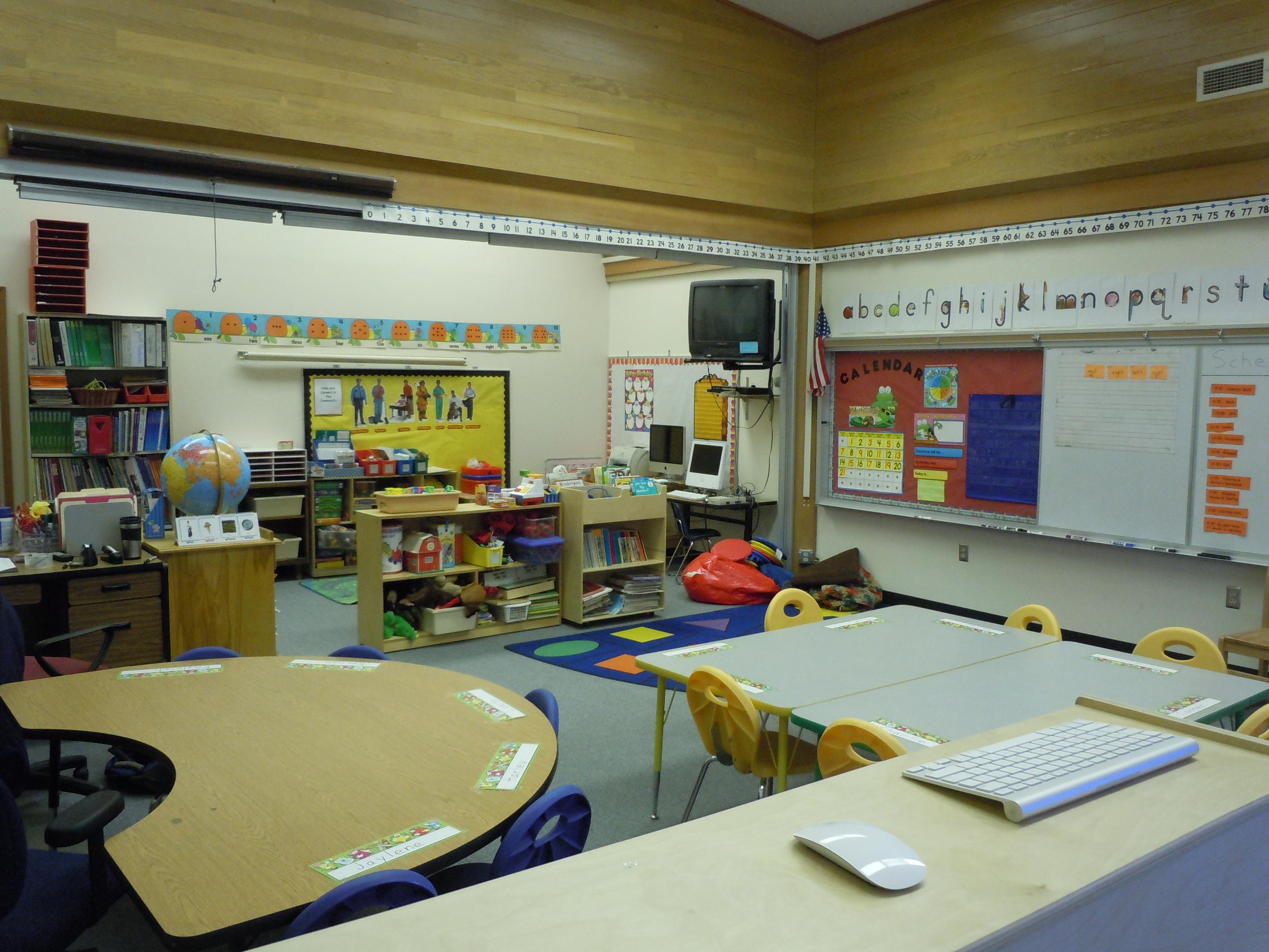 Kindergarten Class: Kindergarten Classroom Layout